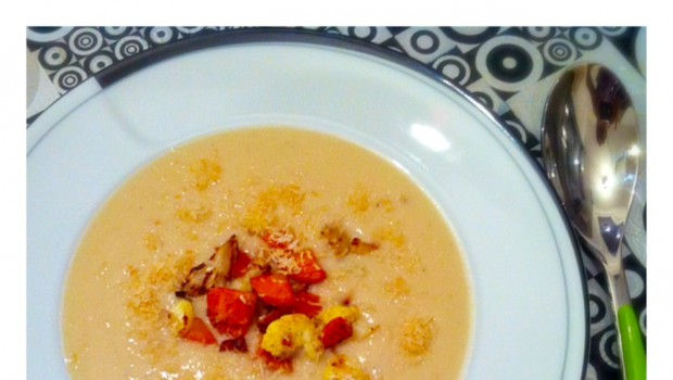 Vegane Blumenkohl-Kokos-Suppe mit Zitronengras