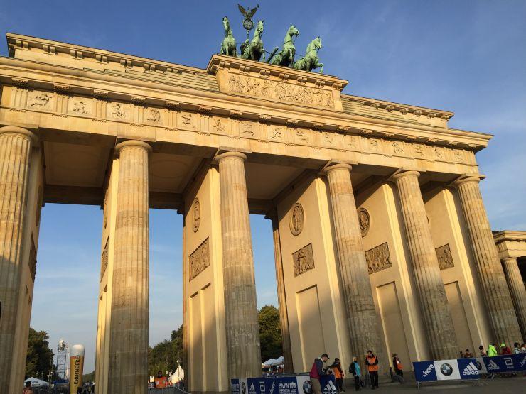berlin marathon siegestor