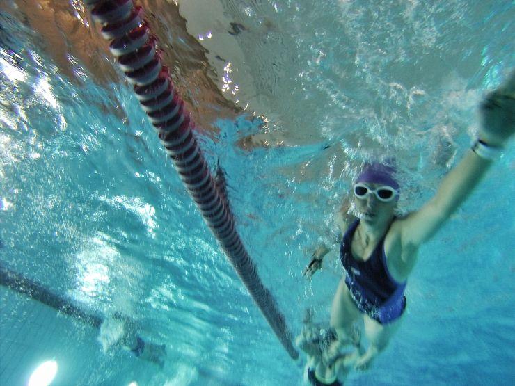 schwimmen Badeanzug