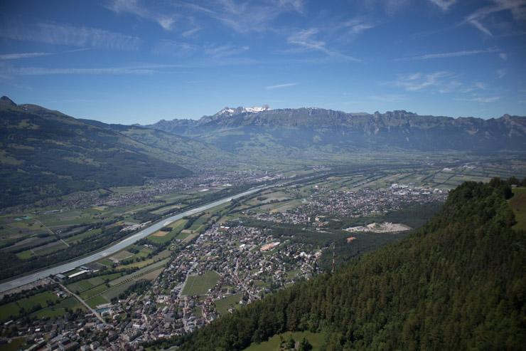 Liechtenstein Fürstensteig Blick über Vaduz