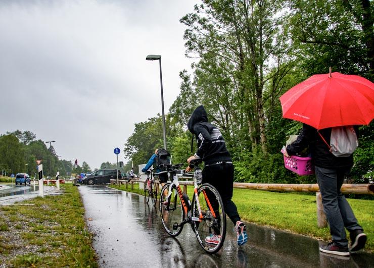Triathlon Auf dem Weg zum Check-In