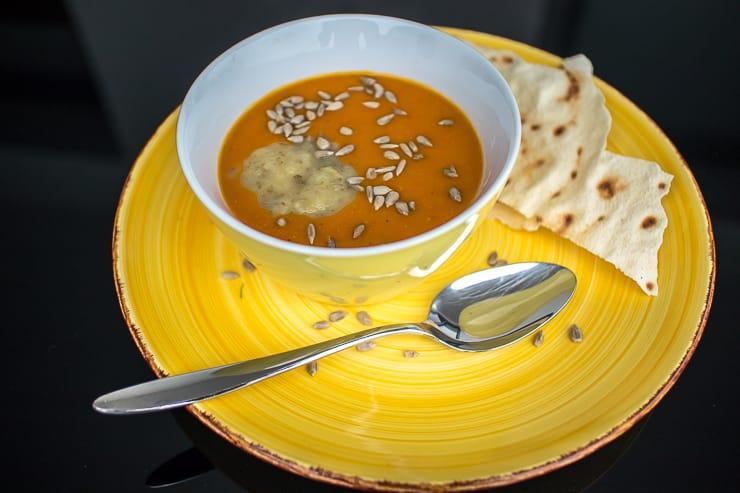 Kuerbissuppe mit Apfel-Birnenkompott