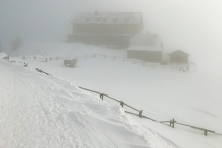rotwand rotwandhaus im nebel