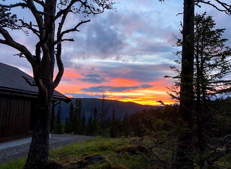 viking challenge gaustatoppen norwegen sonnenuntergang