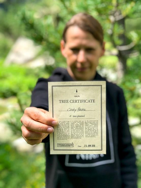 nikin zertifikat fuer einen gepflanzten baum