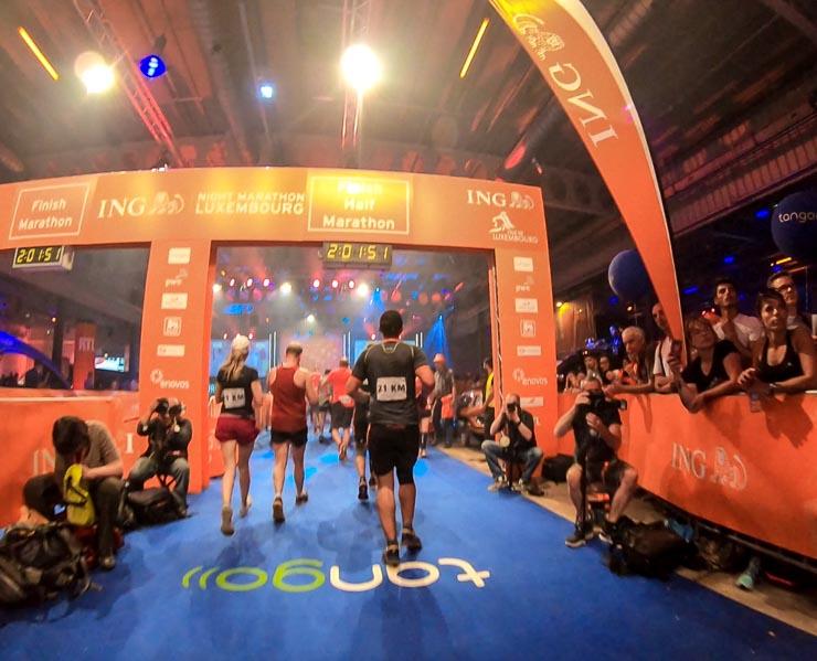 zieleinlauf ing night marathon luxemburg