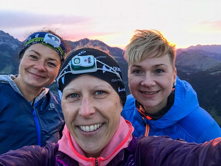 zum sonnenaufgang in die berge