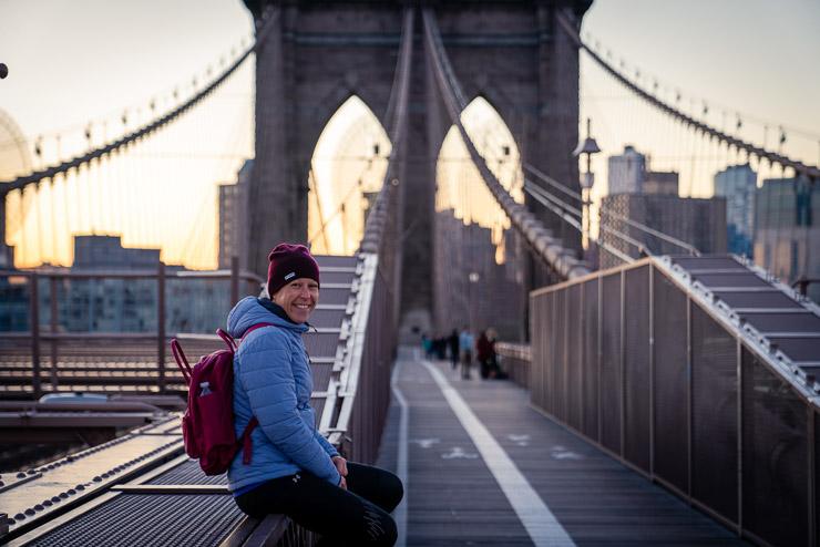 brooklyn bridge bei sonnenaufgang